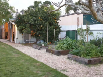 Renting out with online payment: Spacious Garden and Outdoor Area