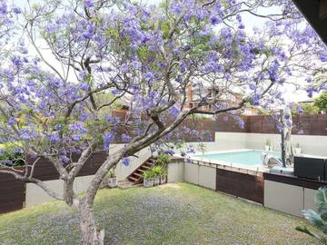 Renting out with online payment: Spacious Backyard