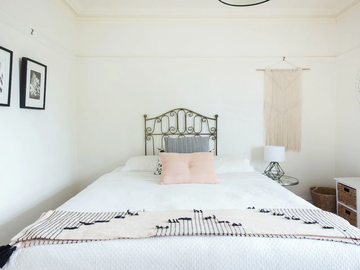 Renting out with online payment: Bedroom with Access to the Balcony