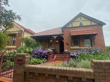 Renting out with online payment: House in Marrickville