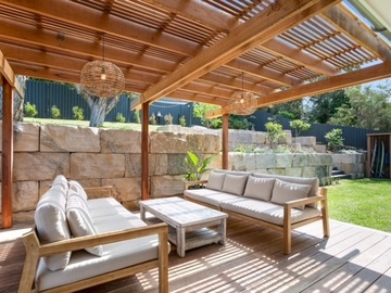 Renting out with online payment: Alfresco Lounge Area