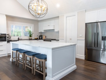 Renting out with online payment: Light-Filled Open Plan Kitchen with Island Bench