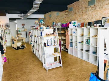 Renting out with online payment: Fibre Art Shop in Balmain