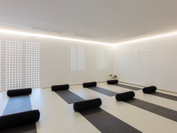 Renting out with online payment:  Studio Designed to Provide A Feeling of Relaxation & Positivity