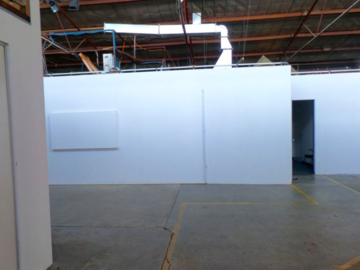 Renting out with online payment: Warehouse with Industrial Appeal and Natural Lighting