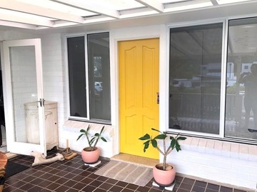 Renting out with online payment: Yellow Door