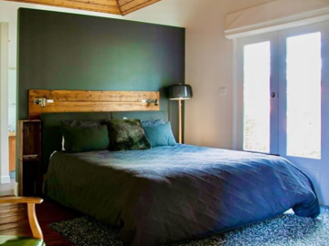 Renting out with online payment: Main Bedroom with Ensuite and Garden Access